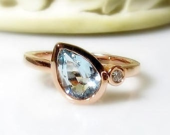Aquamarine Pear with Diamond 14K Gold Ring, Sideswept Tear Drop