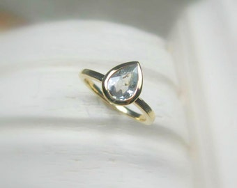 White Topaz Pear Cut Ring - 14K Gold Made to Order, rose gold,white gold,yellow gold