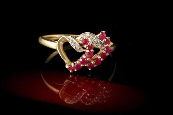 Deux Vintage coeur rubis diamants 10k jaune bague en or