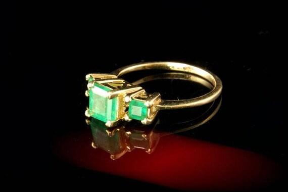 Vintage 3 Green Emerald 14k Gold Ring