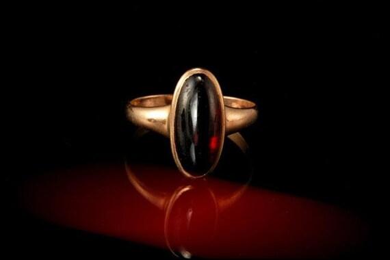 antique victorian red garnet cabochon 10k gold rin
