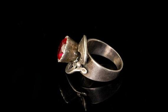 vintage ruby paste sterling silver ring - image 3