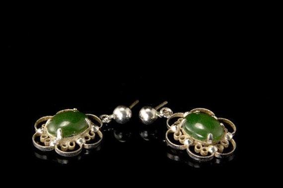 vintage green jade nephrite sterling dangle earrin