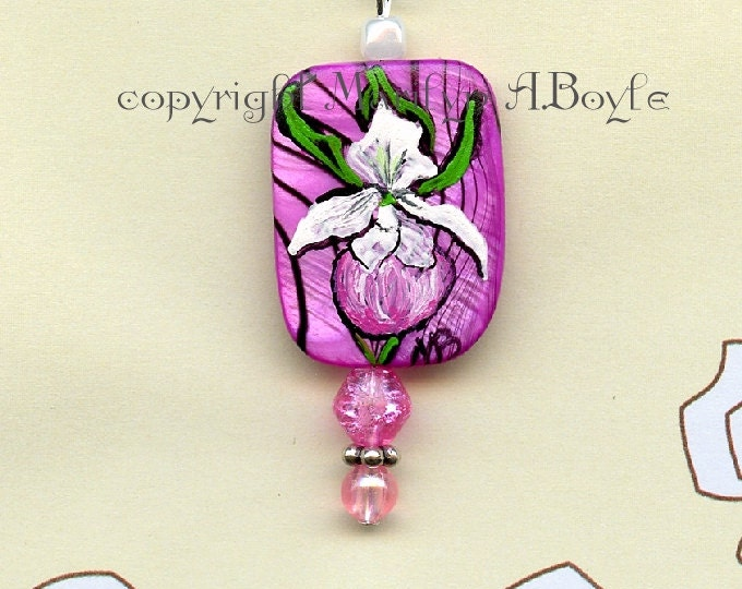 HAND PAINTED BEAD; small pink bead, pendant, necklace, wearable art, lady slipper, flower, nature, 7 inch choker. original art,