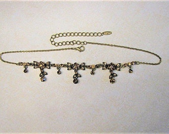 VINTAGE RHINESTONE NECKLACE; 25%off, beautiful irridescent amber rhinestones in different sizes and shapes fill this stunning necklace.