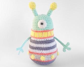 Crochet PATTERN for alien cyclops monster - EN -