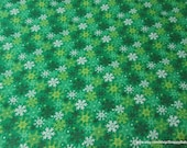 Christmas Flannel Fabric - Snowflakes on Green - By the yard - 100% Cotton Flannel