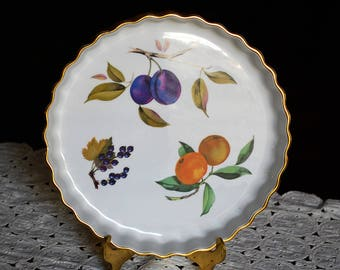 Royal Worchester Flan Dish Evesham Gold Pattern Black Currents, Oranges and Plums