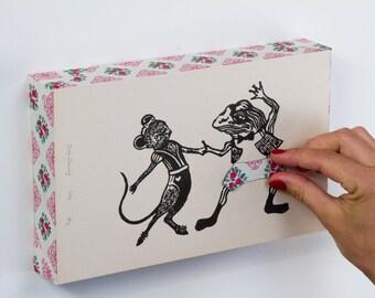 """Linogravure coquine & ludique, """"SOURIS ET GRENOUILLE"""", culotte amovible, customisé"""