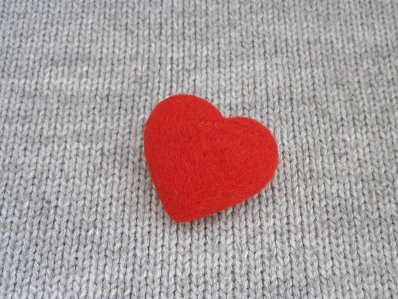 Heart Brooch Wedding thank you gift Needle felted heart Valentines day gift Choose color Gift for her For sweetheart Felted Heart Pin