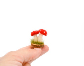 Tiny felt mushrooms, Amanita muscaria miniature, Table decor, Guest favors, Dollhouse miniatures, Thanksgiving, Shelf decoration, Toadstool