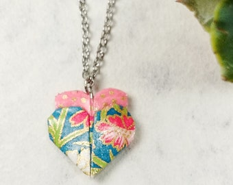 Collier rose et bleu | Pendentif en coeur | Bijou en origami |  Origami par Ökibo