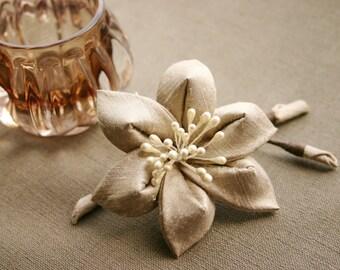 Bridal Kanzashi flower in taupe - sand, silk dupioni, decorative comb, wedding, beige, hairflower, floral hair clip, Japan, Kanzashi