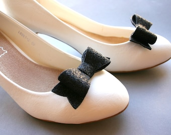 Preppy! Glittery bow shoeclips in black, shoe clips, sparkles, sparkly, glitter, bows, jetblack