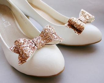 Sparkly Rosegold! Glitter bow shoe clips in rose gold, bows, golden, glittering, bridal, pinup, burlesque, wedding, glittery