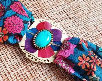 GEMMA - Bracelet, liberty, pierre turquoise, plumes rose violet bleu