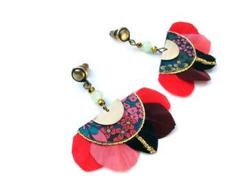 Gilda - Boucles d'oreilles plumes bohème romantique d'inspiration art déco rose, rouge,  noir, doré