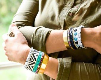 Navajo - Bracelet manchette bohème motif indien laiton tissu chaîne simili croco