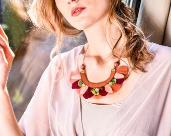 Necklace chestnut feather ethnic chic coral, orange, bordeaux