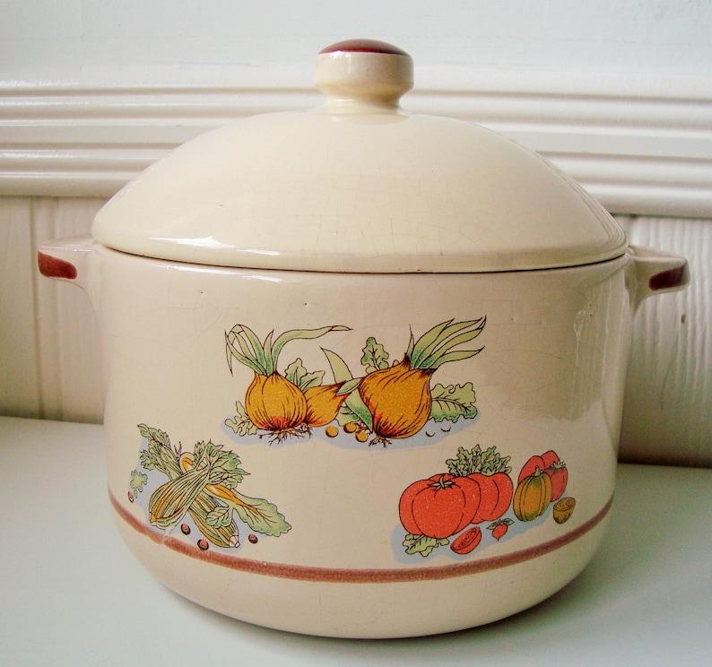 Soup serving pot