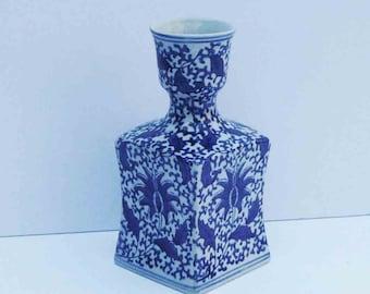 Vintage Blue White Vase Floral Leaf Design Mid Century Chinoiserie Palm Beach Glam Squared Fluted Flower Holder Office Desktop Table Entry