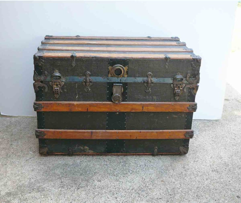 Antique Steamer Trunk Coffee Table Vintage Flat Top Trunks Metal Canvas  Brass Wood Coffee Table Stage Coach Trunk Industrial Travel Trunk