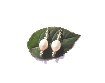 Fresh water pearls / aquamarine: 2 microphone charms 2.4 cm in height x 7 mm in diameter max