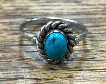 Turquoise with Rope Twist Detail Native American Sterling Silver Ring