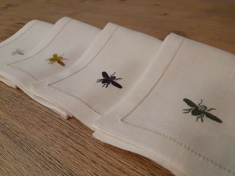 Natural linen  dinner napkins with bee embroidery and hemstiched edge all around set of 4 white linen napkins linen gift organic napkins