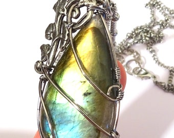 Necklace Pendant blue Labradorite wire wrapped with leaf and ivy elve boho victorian wrapping