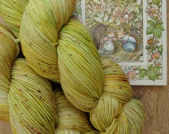Miss Poppy Eyebright -Handy Dyed Sock Yarn, Fingering Weight, 4-ply Indie dyed, yellow verigated speckled yarn