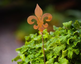 Metal Fleur-de-Lis Garden Stake | Fleur-de-Lis Silhouette | Rusted Metal Yard Art | Garden Gifts | P414