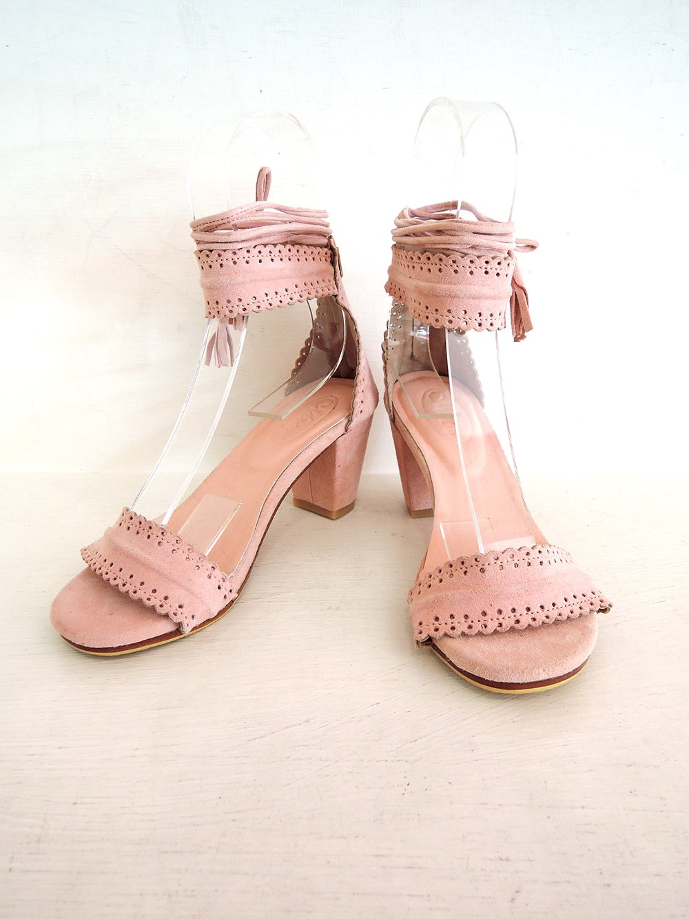 BLOCK HEEL SHOES for Women w Leather Tassels. Laura HandMade Scallop Suede Shoes Leather Heels, Small Size Available in 18 Colours.