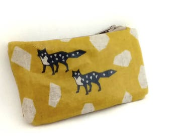 Coin purse in mustard yellow coated foxes patterns