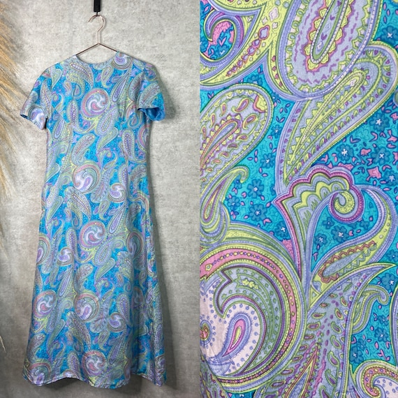 Vintage 70s Floral Paisley Short Sleeve Summer Max