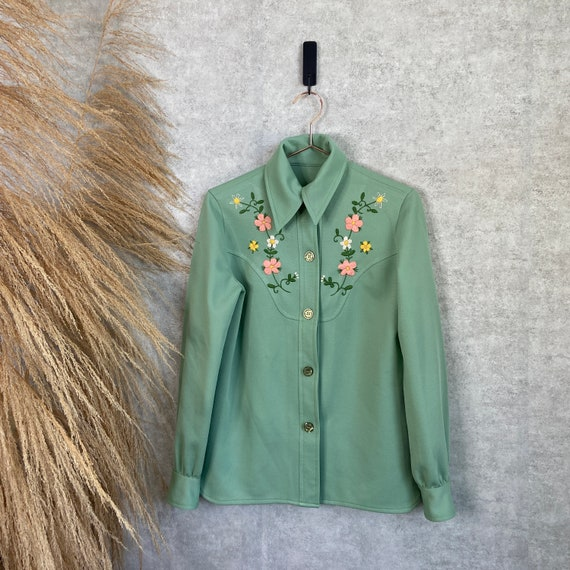Vintage 1970s Sage Green Floral Hand Embroidered L