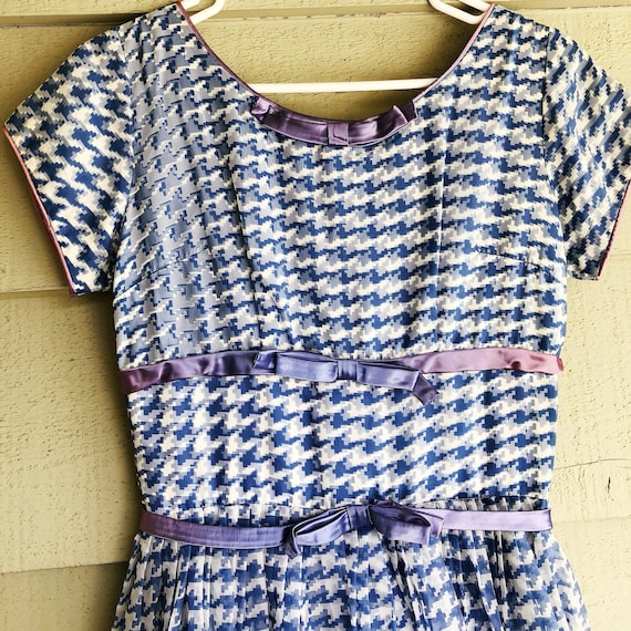 1950s Cute Houndstooth Fit and Flare with Bow Deta