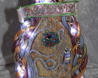 Free standing faery door with battery operated LED lights (batteries not included)