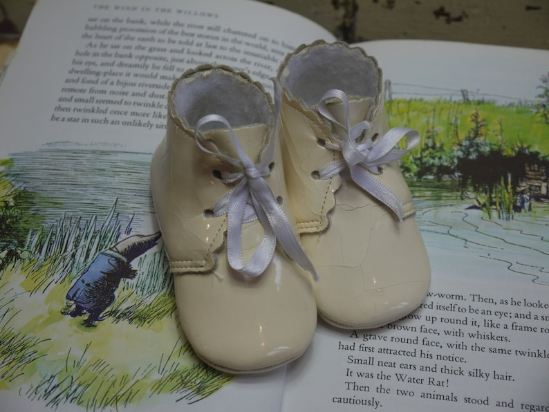 1439c6c863b5 Vintage Pair of Pastel Baby Shoes Doll Shoes Vintage Baby
