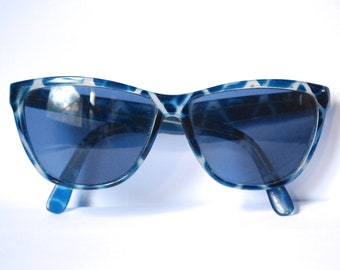 39085ff3f154 80s Blue Clear Sunglasses Wayfarer Marbled VintageZig Zag Pattern Sunnies  Unisex Shades Retro Eighties Blue Tinted Lens Vtg 1980s