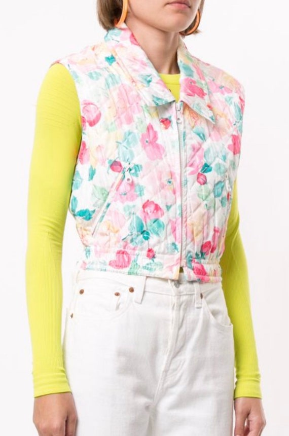 Vintage CHANEL White Floral Quilted Cropped Vest