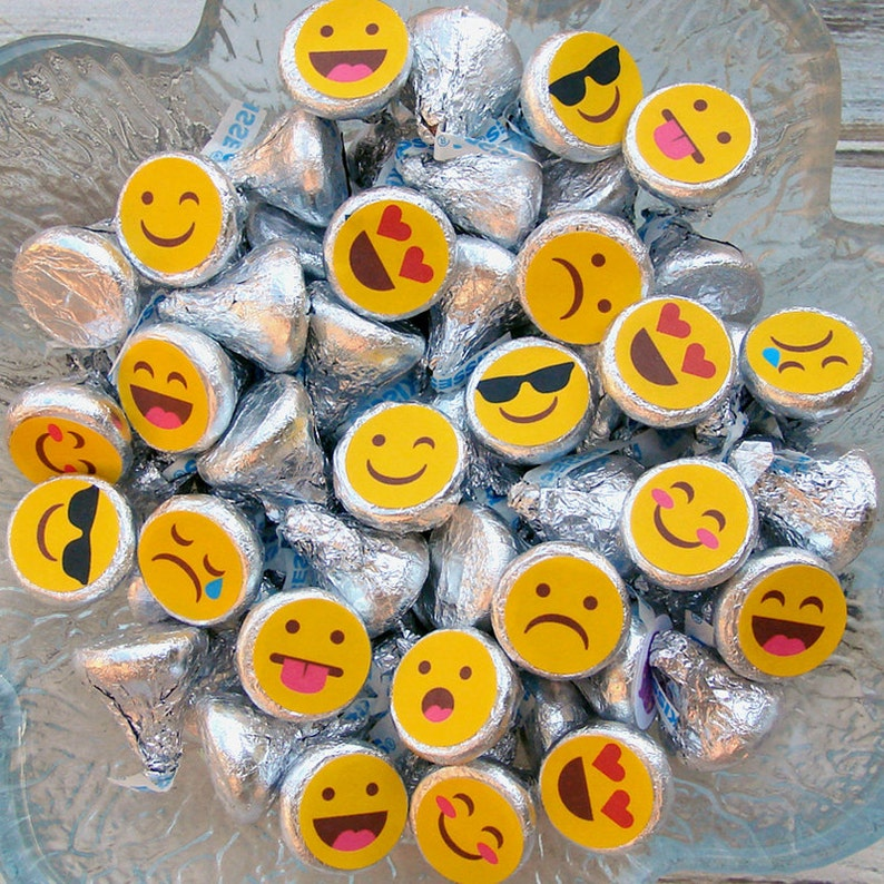 Emoji Party Candy Stickers Kiss Labels Birthday