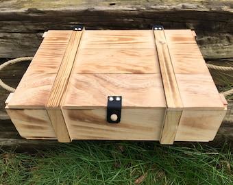 Little storage box / wooden memory box / storage box / memory box / wooden box / wine box / gift box / wooden chest