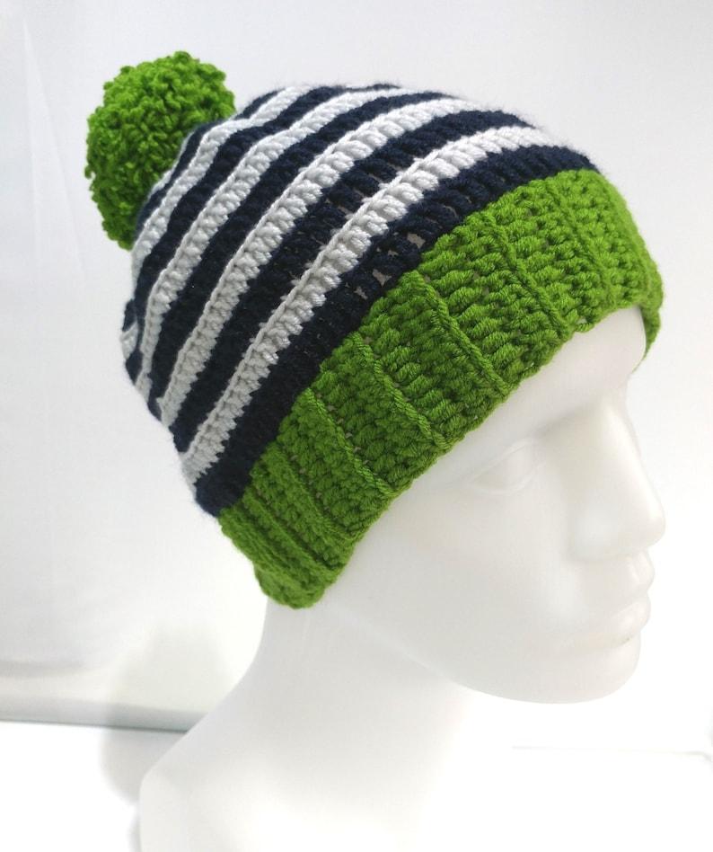 23fb7ed0cce Crochet Hat Winter Hat Mix Color Green Pom Crochet Hook