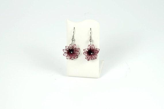rote romantische Ohrringe klöppeln mit Draht | Etsy