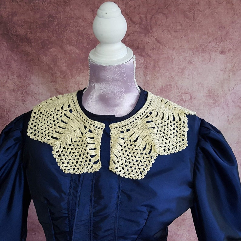 victorian collar in lace crochet collar in light yellow  image 0