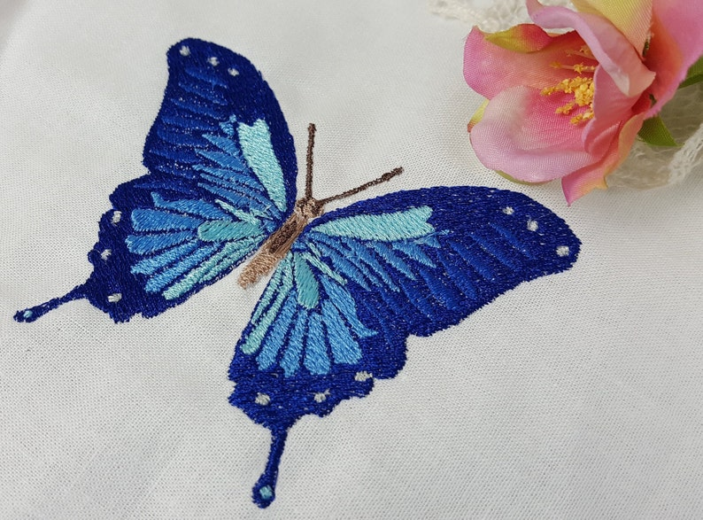 Embroidery file butterfly in two sizes file for embroidery image 0