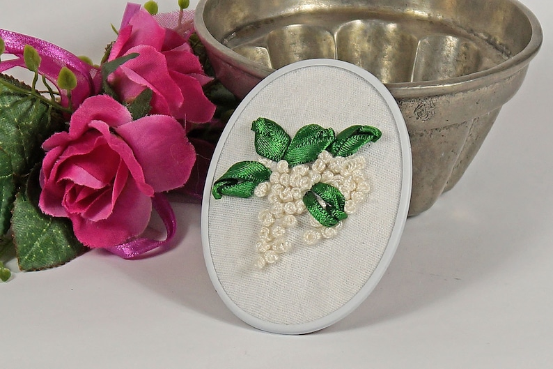 Romantic brooch with flowers image 0