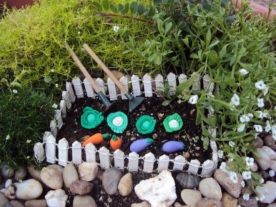 Miniature Dollhouse FAIRY GARDEN Farm ~ Small Garden RABBIT Vegetable Patch NEW