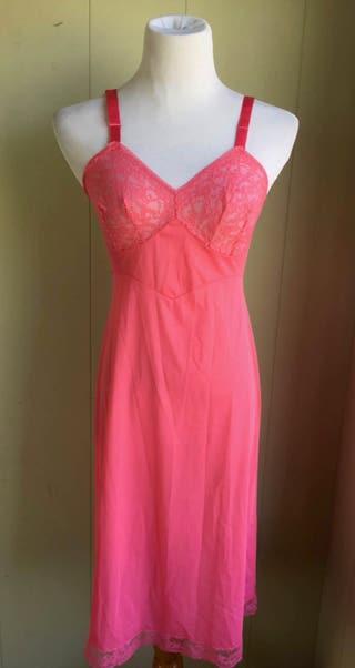 Vanity Fair Slip Pink Bubble Gum Sheer Exotic Lace Bodice Trim Knee Length Sz 34